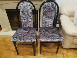 Comfy chairs, clean cuhions and solid metal frame