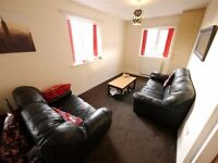 82 Hyde Park Close - HOUSE SHARE - 2 Room Available