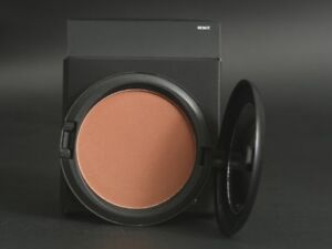 MAC Bronzing Powder in Bronze