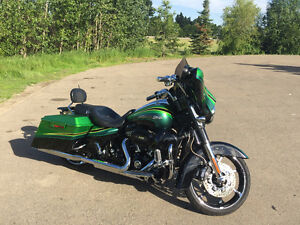 Show Room Condition 2011 Harley Street Glide