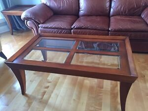 2 coffee tables in solid wood with partial glass top West Island Greater Montréal image 1