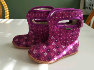 Baby Bogs winter boots Size 8