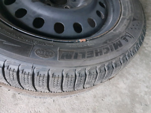 Set of 4 snow tires on rims with TPMSensors.