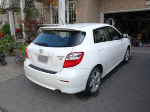 2010 Toyota Matrix Hatchback with sun roof