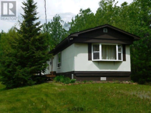 DRASTICALLY REDUCED CAMBRIDGE NARROWS FURNISHED COTTAGE 48 000