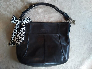 AUTHENTIC LEATHER COACH PURSE WITH SILK PURSE SCARF
