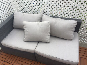 Like new small spaces patio sofa sectional
