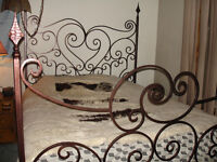 wrought iron custom made queen size bed / lit en fer forge