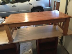Oak coffee table with pull up and out top