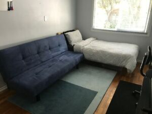 *** WALKING DISTANCE TO BCIT UNIVERSITY - AWESOME ROOMS ***
