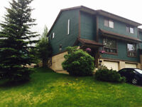 Sept 1 2 rooms for rent in Banff condo