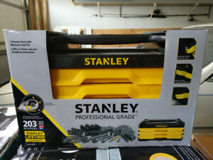 Brand New STANLEY professional grade 3 Drawer chest with 203 Pc