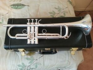 Yamaha Xeno Professional Bb Trumpet YTR8335RGS Mint 3 Years Old