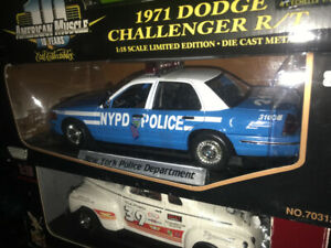 Ford Crown Victoria police New York diecast 1/18 neuf Die cast