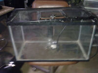 """Aquarium w/Screen & Heat Pad"""