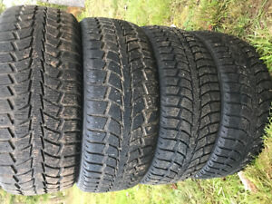 205/55R16 Uniroyal Tiger Paw winter tires $200