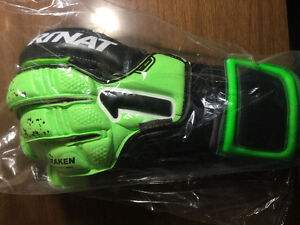 Kraken Rinat GOALKEEPER Professional GLOVES