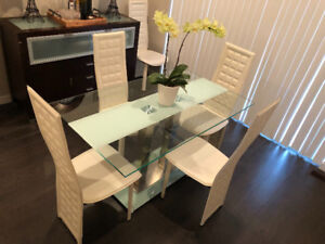 Modern Dining Table + 4 Chairs