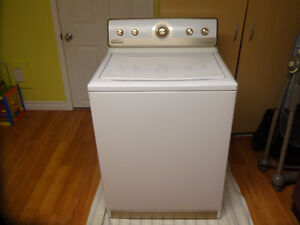 Tres belle machine a laver Maytag