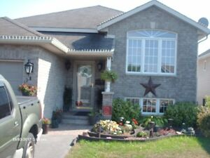 ROOM AVAIL dec1st-still avail , newer family home