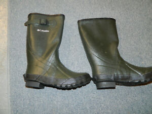 New Green Columbia Rubber Boots Women's 7 or Men's 5