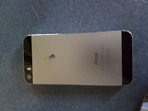 Iphone 5s with charger and case unlocked Kitchener / Waterloo Kitchener Area image 2