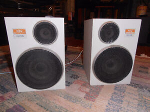 NEC 2way speakers, made in Japan  40W, 8 OHMs