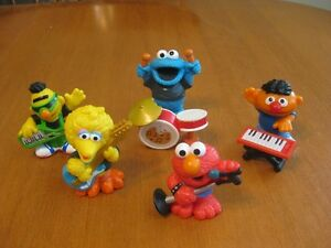 SESAME STREET FIGURES BAND
