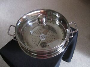Paderno 32 cm  Wok with steamer and lid