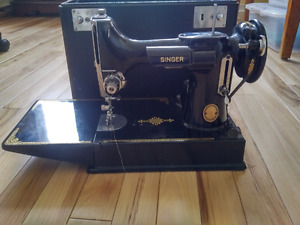 1952 Singer Featherweight  Sewing Machine