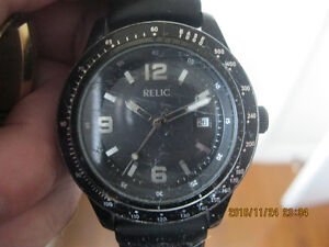 Mens RELIC by Fossil Black case Rubber Strap Quartz analog watch