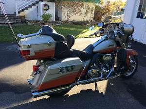 2009 HD FLHTCUSE CVO Ultra Classic Electra Glide REDUCED West Island Greater Montréal image 1