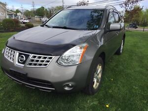 Nissan Rogue AWD, leather, moon roof