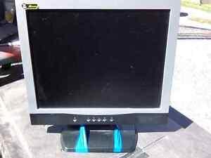 """17"""" FUJI LCD COMPUTER MONITOR"""