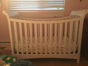 CHILD CRAFT CRIB WITH TODDLER BED CONVERTER