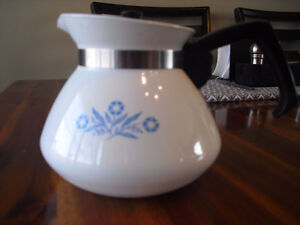 Vintage Corning Ware 6 cup Coffee/Tea Pot