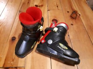 Kids ski boots SZ 18.5 (shoe size 12)