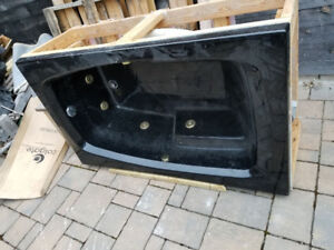 Jet Tub with Motor and Plumbing