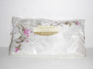 JEWELRY CLOTH ROLL TRAVELING CASE - IN PKG/MINT