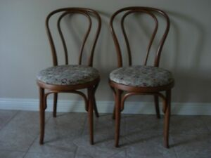 2 chaises antiques style Bistro