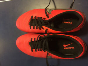 Nike Tiempo cleats size 8