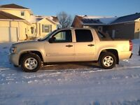 2008 Chevrolet Avalanche LOW Km NO TAXES