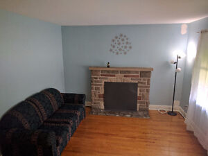 3 Bd Apt All Inclusive minutes from Fanshawe/UWO and Downtown!