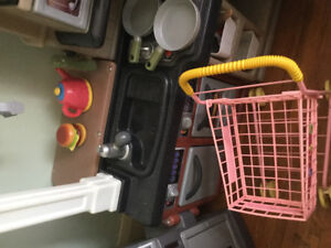 For salekitchen centre with attached BBQ dishes coffee pot dish