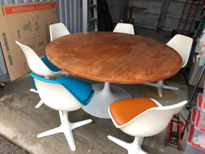 Mid Century Modern Burke 115 Dining Room Chairs And Table
