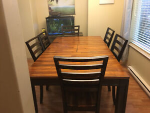 Beautiful table and 6 chairs