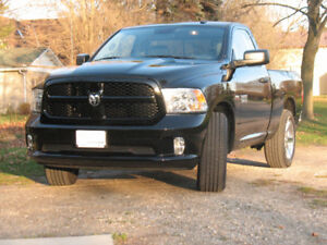 2015 Dodge Ram 1500 Express. Low KMs!!!
