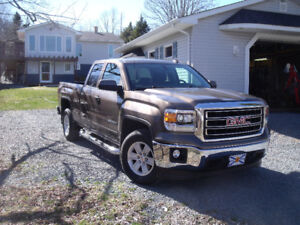 "Rare 2014 Sierra SLE 2WD c/w ""Eaton Locker"" rear differential"