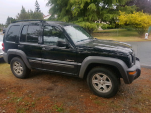 2004 jeep liberty open to offers!