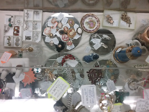 Jewellery, coins, stamps, antiques, collectibles + 1000 booths